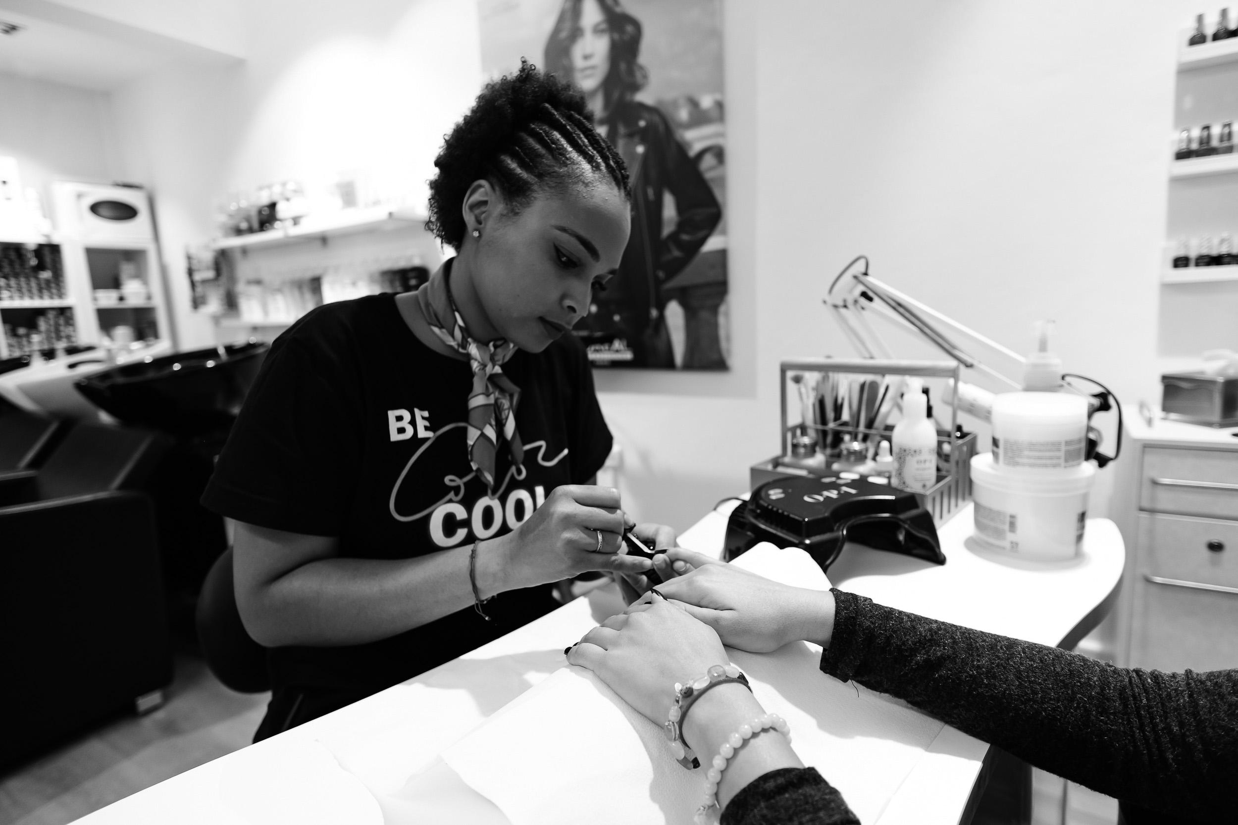 manicura, servicios peluquería margot